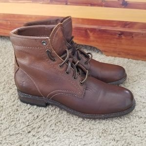 Frye   Lace Up Leather Ankle Boots   7 B